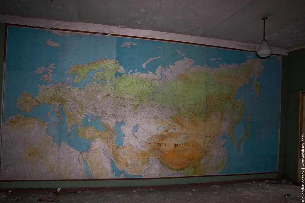 карта на стене в аэродроме