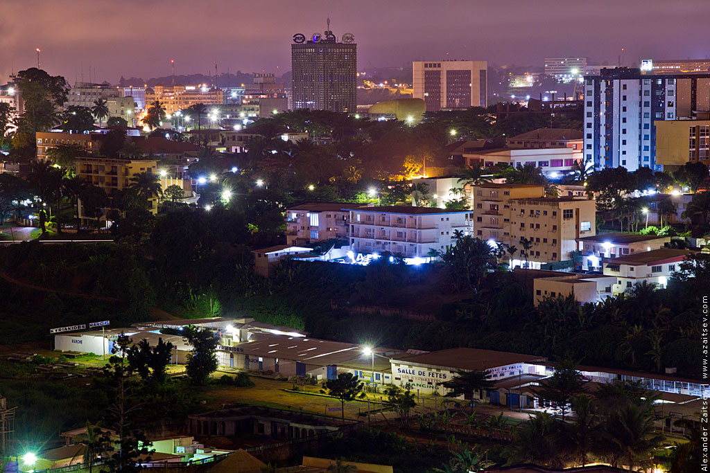 Яунде ночью