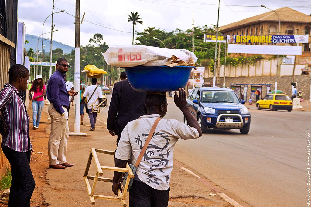 Камерун вещи на голове